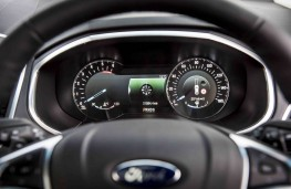 Ford Edge, dash detail