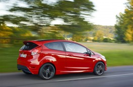 Ford Fiesta Red Edition, side action