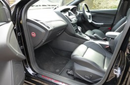 Ford Focus ST-3, front seats