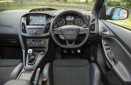 Ford Focus RS, dashboard