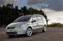 Ford Galaxy, front