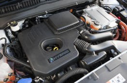 Ford Mondeo hybrid engine