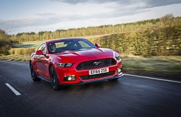 Ford Mustang 5.0 V8 GT, front action