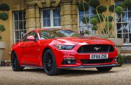 Ford Mustang 5.0 V8 GT, front static
