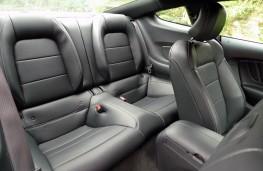 Ford Mustang 5.0 V8 GT, rear seats