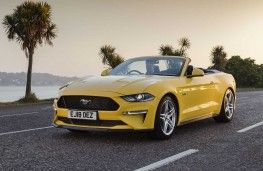 Ford Mustang Cabrio front action