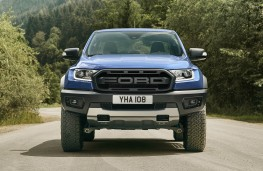 Ford Ranger Raptor on-road head on