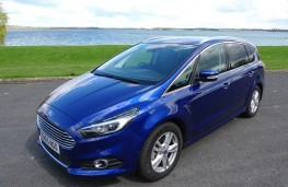 Ford S-Max, front static