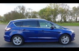 Ford S-Max, side static