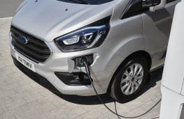 Ford Transit Custom PHEV charging point