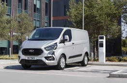 Ford Transit Custom PHEV front