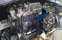 Jaguar F-PACE, 2016, cutaway, engine
