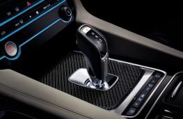 Jaguar F-PACE SVR, 2018, gear lever