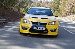 Vauxhall VXR8, head-on