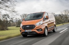 Ford Transit Custom, 2018, front, action