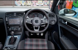 Volkswagen Golf GTI, cabin