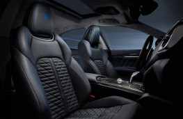 Maserati Ghibli Hybrid, 2020, front seats