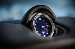 Maserati Ghibli, clock