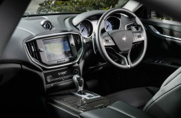 Maserati Ghibli, dashboard