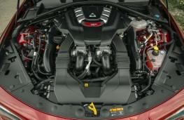 Alfa Romeo Giulia Quadrifoglio, 2020, engine