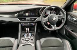 Alfa Romeo Giulia Quadrifoglio, 2021, interior