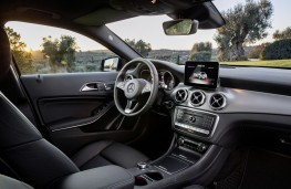 Mercedes-Benz GLA, 2017, interior