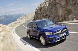 Mercedes-Benz GLB, 2019, front, action