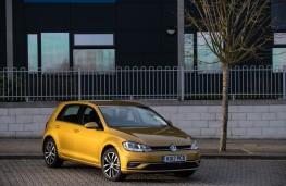 Volkswagen Golf, front quarter