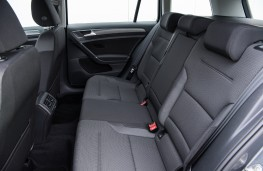Volkswagen Golf Estate, 2017, rear seats
