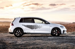 Volkswagen Golf GTI, 2020, side