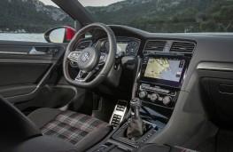 Volkswagen Golf GTI Performance, 2018, interior