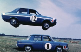 Renault 12 leafrogs Renault 8