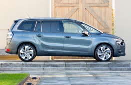 Citroen Grand C4 Picasso, side