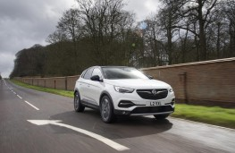 Vauxhall Grandland X Ultimate, 2018, front