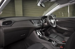 Vauxhall Grandland X Ultimate, 2018, interior