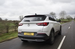 Vauxhall Grandland X Ultimate, 2018, rear