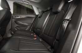 Vauxhall Grandland X Ultimate, 2018, rear seats