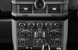 Ineos Grenadier, 2021, control panel console
