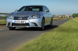 Lexus GS 450h, action