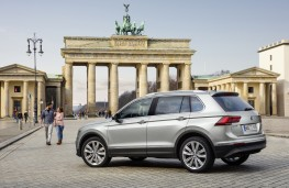 Volkswagen Tiguan, side, Berlin