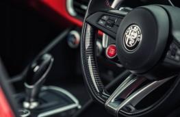 Alfa Romeo Giulia Quadrifoglio, 2017, steering wheel