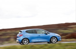 Renault Clio GT-Line, side