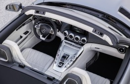 Mercedes-AMG GT C Roadster, interior