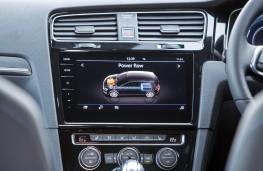 Volkswagen Golf GTE, 2017, display screen