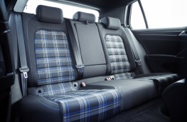 Volkswagen Golf GTE, 2017, rear seats