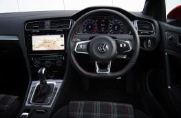 Volkswagen Golf GTI, 2017, dashboard