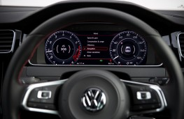 Volkswagen Golf GTI, 2017, instrument panel