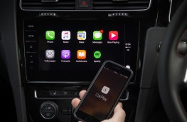 Volkswagen Golf GTI, 2017, display screen, phone connectivity
