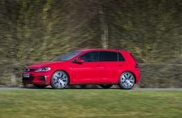 Volkswagen Golf GTI, 2017, side, action