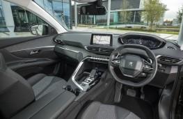 Peugeot 3008, 2017, Allure interior